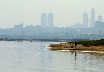 Persiste ascenso del nivel del río Paraguay