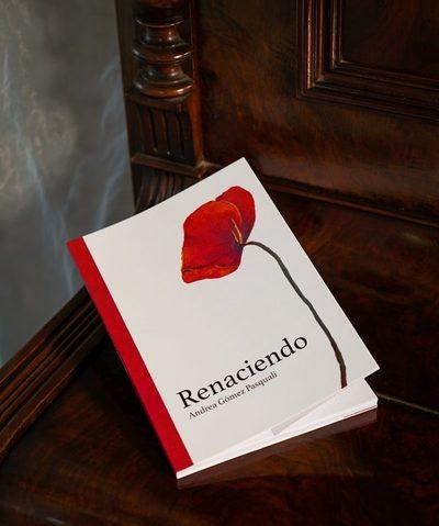 """Presentan libro """"Renaciendo"""" sobre el amor de unos padres a sus hijos"""