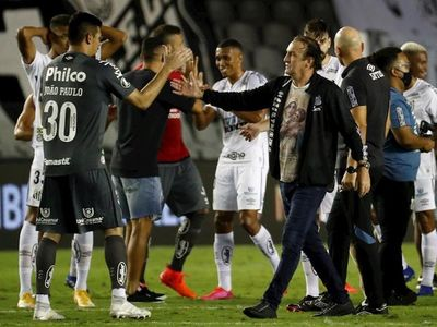 Cuca agradece a Pelé por incentivarles para llegar a final
