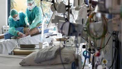 Paciente llegada de Reino Unido está internada en INERAM