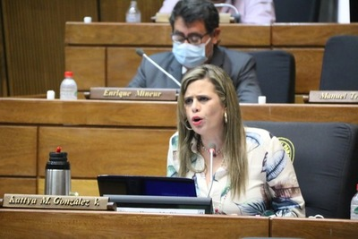 Kattya González insiste: Abdo Benítez tiene que cambiar a Villamayor