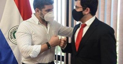 """La Nación / Municipales: """"Nenecho"""" hace lobby y se reúne con el diputado Latorre"""
