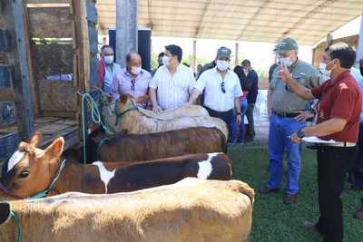 Más de 1.000 productores de Ñeembucú reciben aportes del MAG por Gs. 4.300 millones