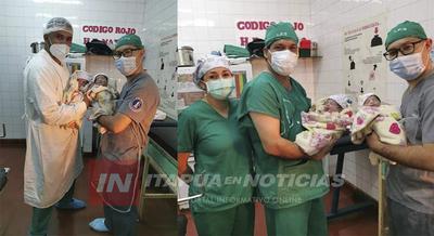 NACEN GEMELAS EN EL HOSPITAL DISTRITAL DE NATALIO