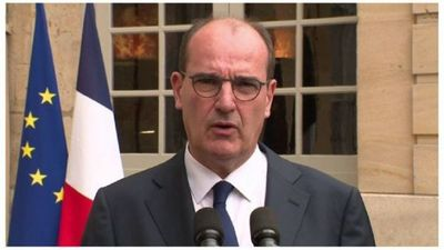 Francia adelanta toque de queda para frenar nueva cepa
