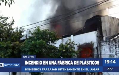 Incendio de grandes proporciones en Itá Enramada
