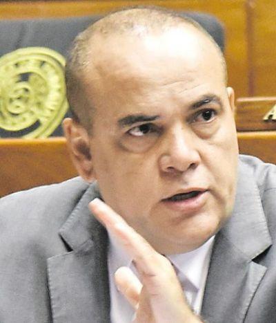 Villamayor debe renunciar, sostiene diputado cartista