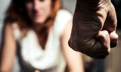 Fiscala no imputa por intento de feminicidio a hombre que casi mata a su pareja e hija
