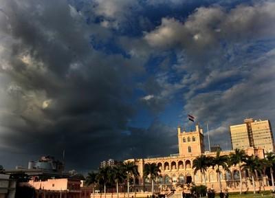 Anuncian tormentas y descenso de temperatura para el fin de semana