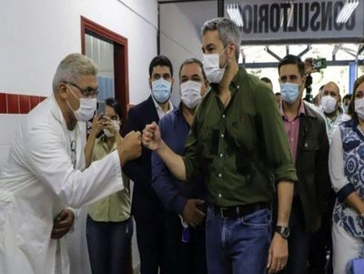 Marito no enfrenta los escándalos de corrupción y solo lanza desafíos