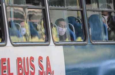 Realizan controles de uso de mascarillas a bordo de los buses públicos