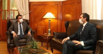 Reino Unido destaca trabajo conjunto con Paraguay en áreas económica, educativa y comercial