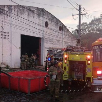 Incendio en la fábrica de plásticos fue controlado