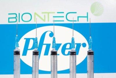 Pfizer retrasa el suministro a Europa de sus vacunas contra el coronavirus