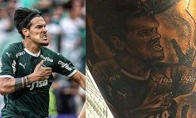Crónica / (VIDEO) Hincha del Palmeiras se tatuó el rostro de Gustavo Gómez