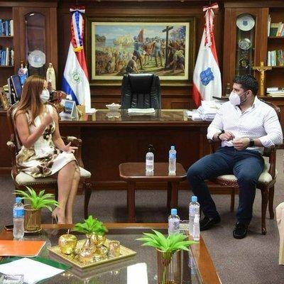 Exministra desmiente que reunión con Nenecho haya tenido una connotación electoral