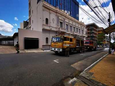 Logran controlar incendio en la sede de la Vicepresidencia de la República