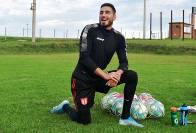 El uruguayo Gastón Olveira, nuevo arquero del Decano