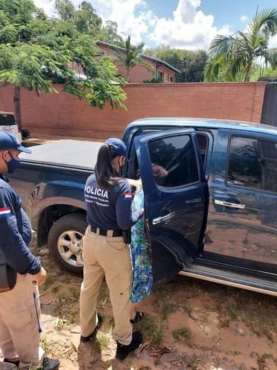 Detienen a mujer con 17 órdenes de captura por estafa