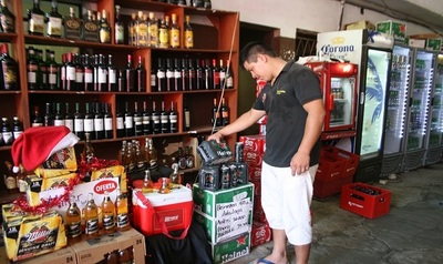 Comercios formales piden mayor control a venta ilegal de bebidas