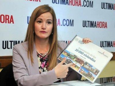 Intendente aclara que Soledad Nuñez no asumirá un cargo en la Municipalidad · Radio Monumental 1080 AM