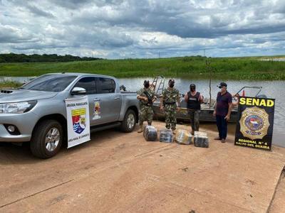 Senad y Armada Paraguaya encuentran cargamento de droga preparado para el Brasil