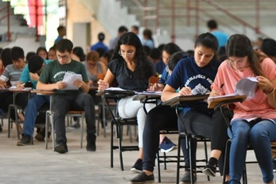 Becas Carlos Antonio López: 4.479 postulantes rindan mañana el examen de competencias básicas
