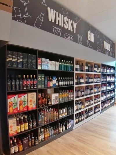 Bebidas alcohólicas: contrabando y restricciones golpean con fuerza a comercios formales
