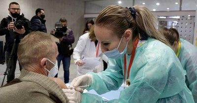 La Nación / Compañías de tecnología y salud se alían para crear certificados digitales de vacunación