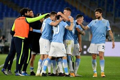 Lazio se queda con el clásico al golear a la Roma