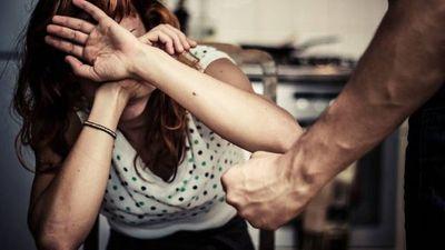 Reportan casi 7.000 llamadas de auxilio por violencia contra la mujer en 2020