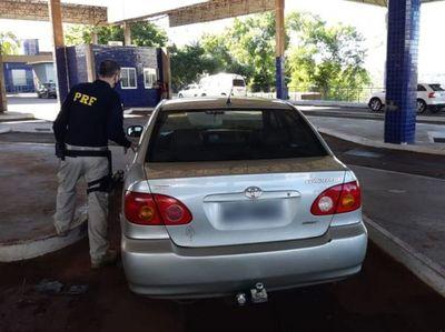 Recuperan vehículo robado en la cabecera del Puente de la Amistad