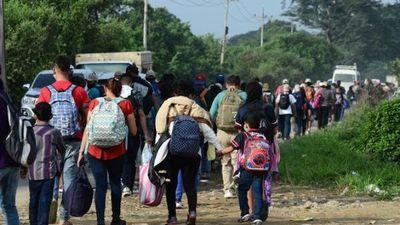 Caravana de hondureños parte hacia EEUU