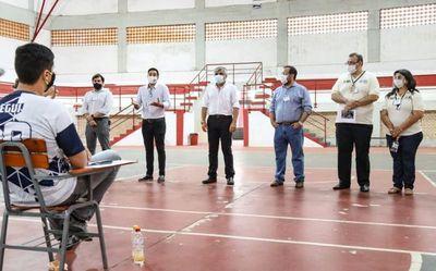 Examen para becas de Itaipú-BECAL se realizó hoy bajo estrictas medidas sanitarias