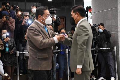 Asume el nuevo ministro de Salud de Bolivia, en medio de un rebrote de coronavirus