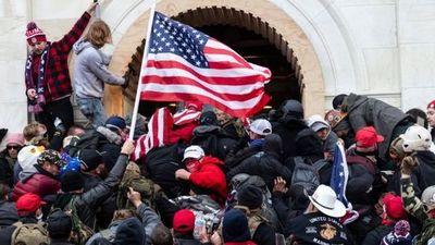 Asalto al Capitolio: las pistas sobre cómo el ataque no fue tan espontáneo