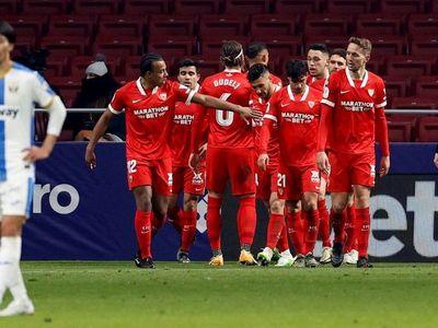 Ocampos rescata al Sevilla