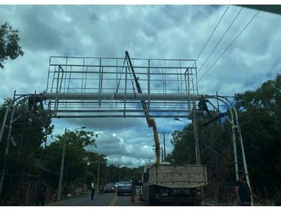 Polémica por cartel en ruta Luque-San Ber