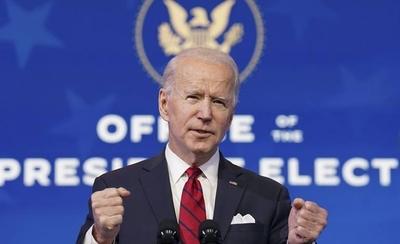 HOY / Biden firmará una decena de decretos en su primer día en el poder