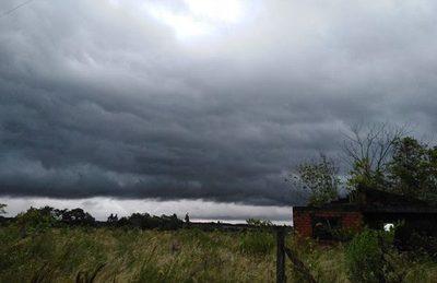 Emiten alerta por tormentas para cinco departamentos