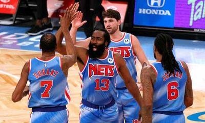 Excelente debut de Harden con los Nets en la NBA