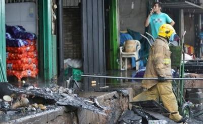 HOY / Susto en el Abasto: cuatro locales se incendiaron