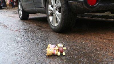 Niño de 2 años muere tras ser atropellado accidentalmente por su padre