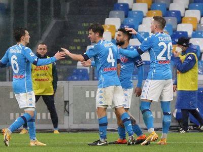 """El Napoli le endosa un """"set"""" a Fiorentina"""