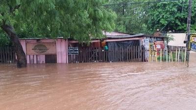 HOY / Concepción bajo agua: Gobierno dispone envío de kits de víveres a familias afectadas