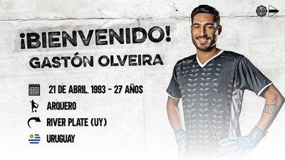 Olimpia presenta a su nuevo arquero, el uruguayo Gastón Olveira