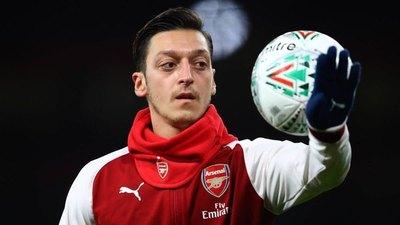 Özil deja por fin le Arsenal y va al Fenerbahce