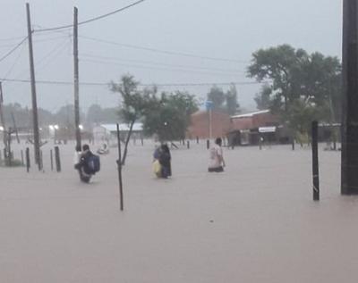 SEN asiste a familias afectadas tras temporal en Concepción