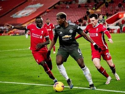 Manchester United y Liverpool igualan en el clásico del fútbol inglés