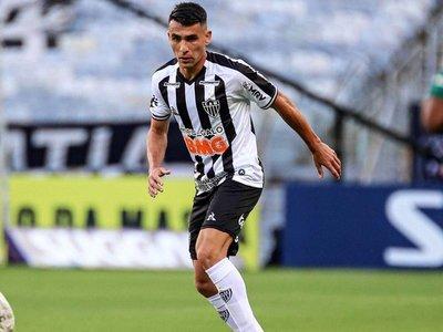 Junior Alonso convierte su primer gol con la camiseta de Mineiro